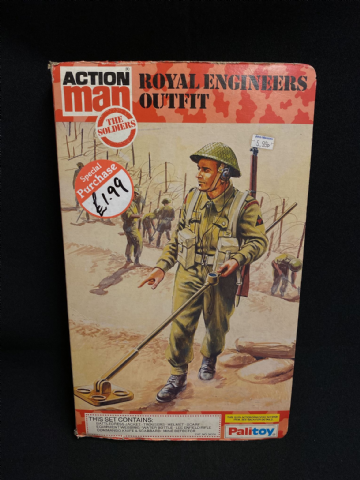 VINTAGE ACTION MAN - ROYAL ENGINEERS OUTFIT - BOOK CARDED UNIFORM (ref2)